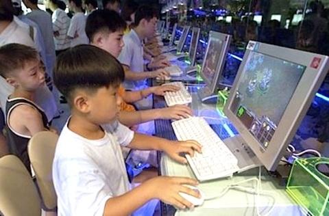 Niños surcoreanos jugando Starcraft
