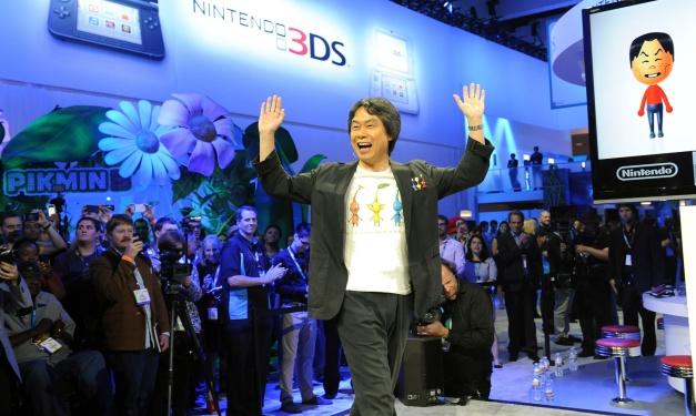 Shigeru Miyamoto con camiseta de Pikmin