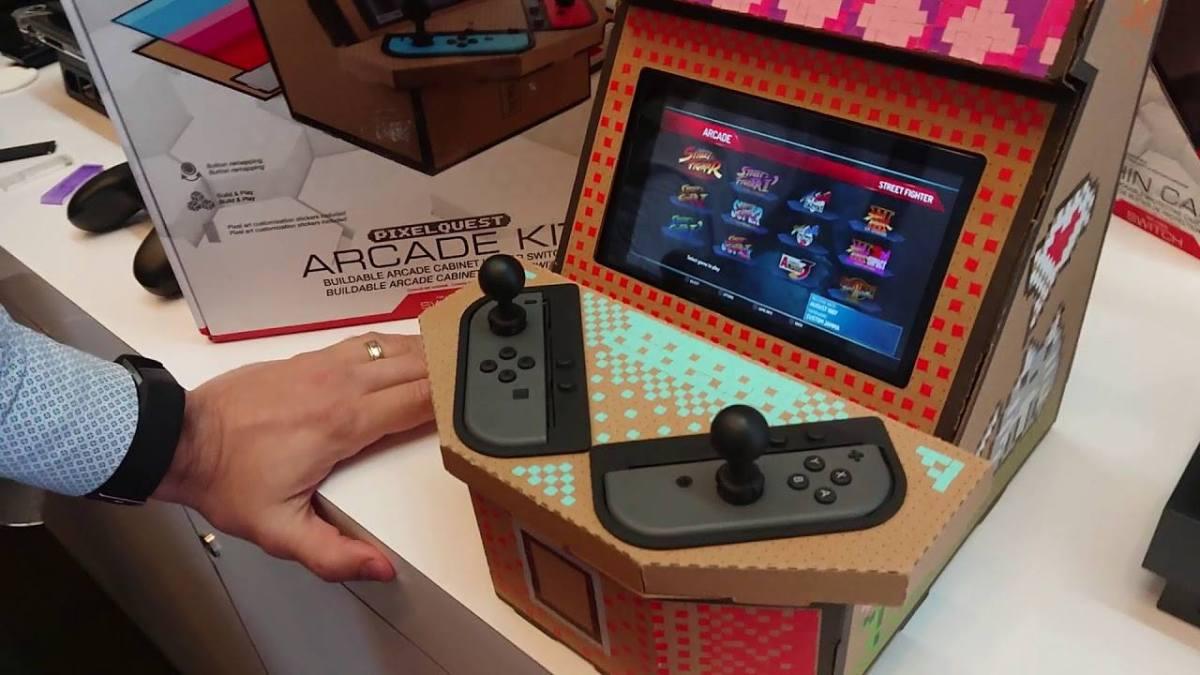 Este es el Arcade hecho con cartón de Nyko para el Nintendo Switch